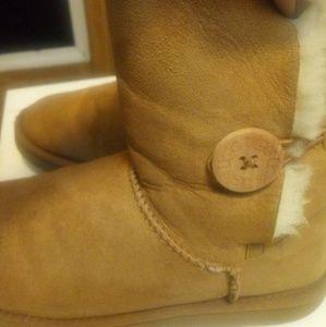 Ugg Bailey Button Boots Sz 8